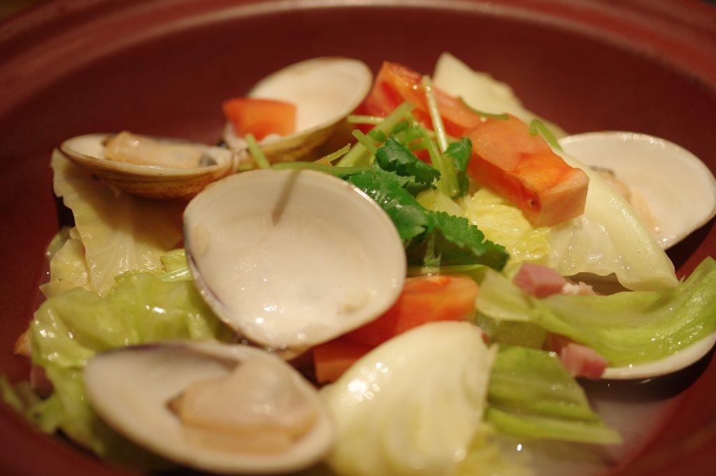 蛤と春キャベツの白ワイン蒸し4